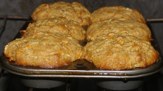 gluten-free apple-carrot muffins